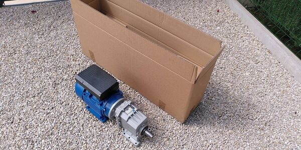 6/Motor and Gearbox and its packaging